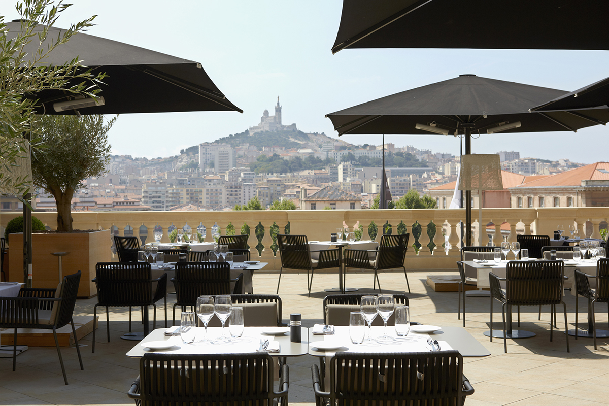 5_InterContinental_Marseille_Terrasse
