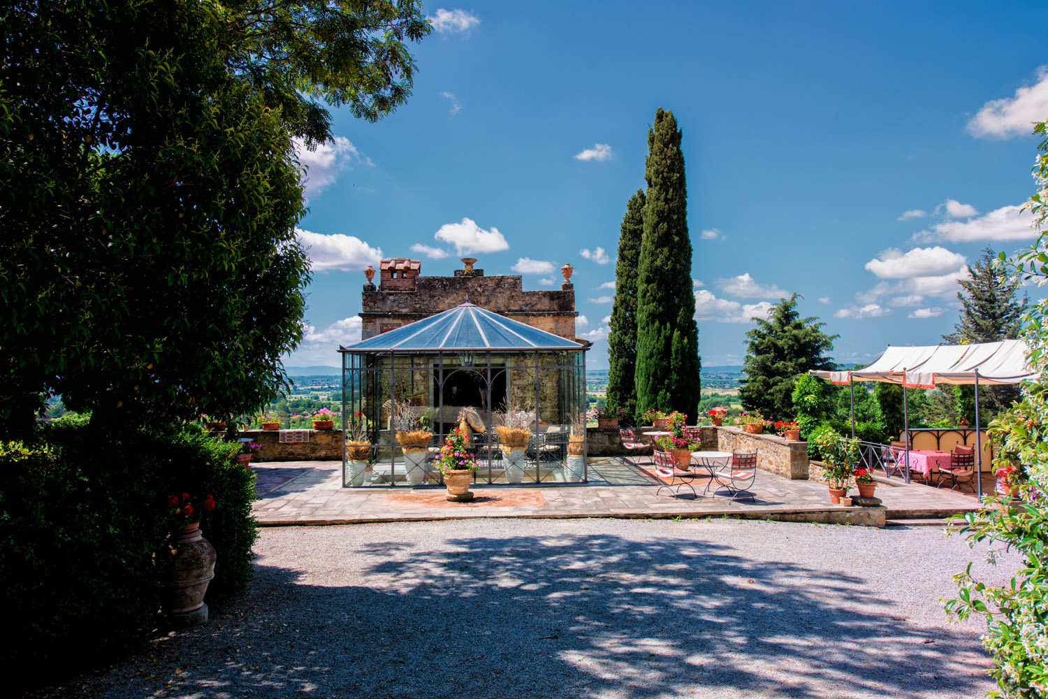 Il Falconiere Outside-